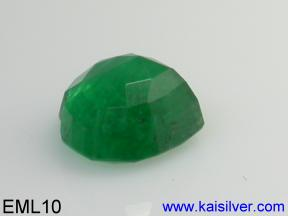 Heart shape emerald gemstone