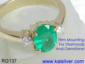 emerald rings in white gold or yellow gold